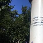 Simicska plakáthelyein teszteli egy rejtélyes megrendelő, mit tűr a kormány