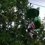 Szerencsésen végződött baleset egy amerikai kalandparkban - videó