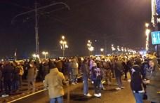 A tüntetők egy része a köztévéhez vonul