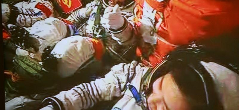 Megérkezett az első e-mail a Föld körül keringő kínai űrhajóra