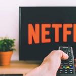 Furcsa újítással kísérletezik a Netflix: olyan, mint a klasszikus tévézés