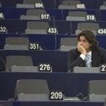 Dajcstomi lófaszozik és Orbán helyett ajánlkozik