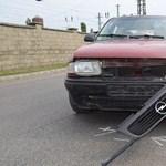 Buszmegállóban állókat sodort el egy autó Hatvanban