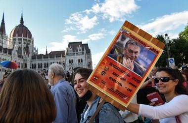 A Twitteren ekézi egy német külügyes magyar homofóbtörvényt