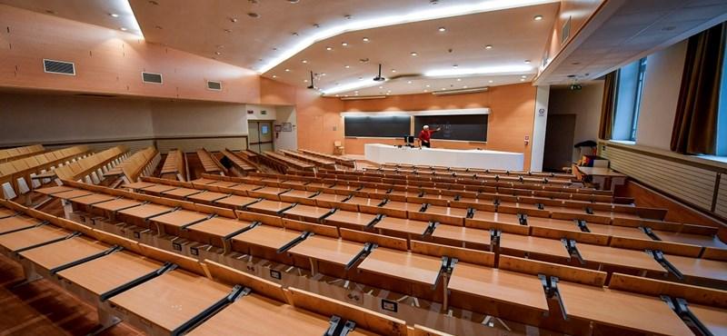 Mi lesz a 2020/2021-es tanévvel - az egyetemeken is marad a távoktatás?