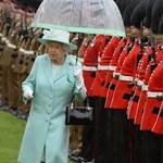 II. Erzsébet királynő 95 évének mérföldkövei képekben