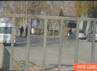 Rendőrök rohanták le Simonka György birtokait, lakását