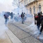 Tüntetők csaptak össze a rendőrökkel Franciaországban
