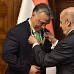 Kitüntette Orbánt a FINA - videó