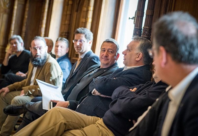 Medián: A Szájer-ügy a Fidesz esélyein rontott, a homoszexuálisok megítélésén nem