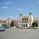 Hűtlen kezelés miatt nyomoznak Mohács kirúgott jegyzőjének ügyében