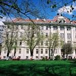 Az egyetem pénzén nyaralt a rektor - tovább dagad a botrány Temesváron