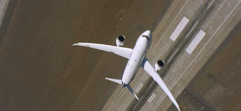 Remek videót tett közzé a Boeing: így trükközik a levegőben a Dreamliner