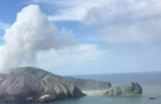 Új-zélandi vulkánkitörés: eddig öt halottról tudni
