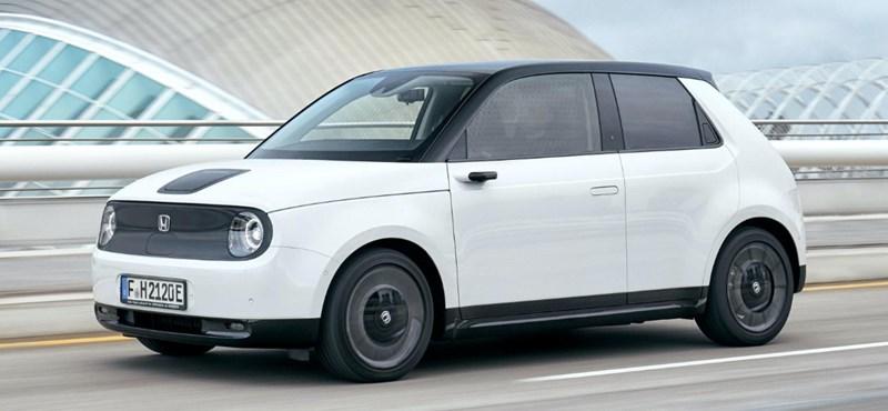 Cuki, retro és villanyos: kipróbáltuk az értelmesen elektromos Honda e-t