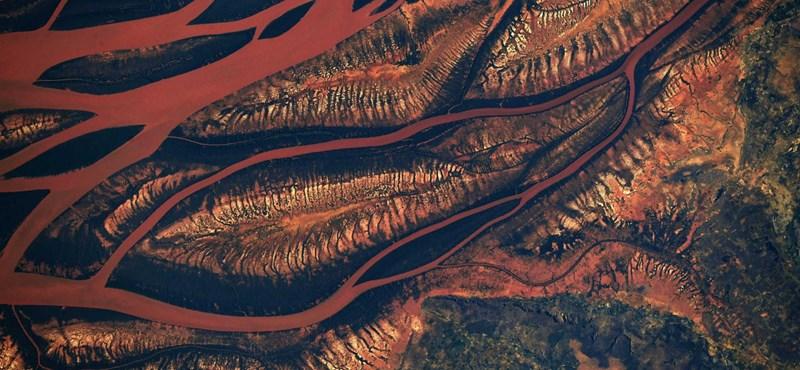 Fantasztikus fotót kaptunk a Földről 400 km-es magasságból – mutatjuk nagyban is