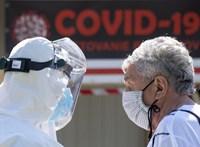Újabb összefüggést találtak: egy génváltozat is okozhatja, hogy valakinél enyhébb, másnál súlyosabb a kornavírus