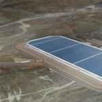 Így néz ki a Tesla hatalmas épülő gyára madártávlatból - videó