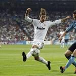Videón, ahogy Sergio Ramos elkocog meccs közben a rötyire