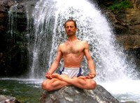 Mindegy, milyen a telefonja, ön is letölheti a WHO ingyenes jóga alkalmazását