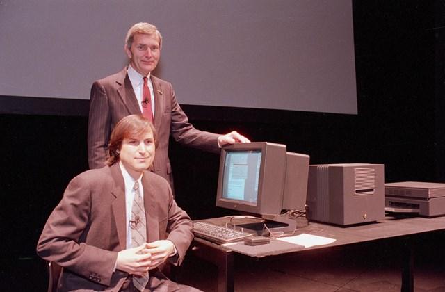 1989 - Steve Jobs és David Norman a NeXT új munkaállomásának bemutatóján