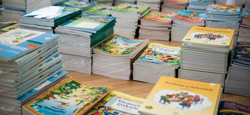 Visszavágnak a tankönyvkiadók: pert indítanak az Oktatási Hivatal ellen