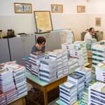 Egyre rosszabb helyzetbe kerülnek a tankönyvkiadók