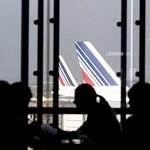 Káoszt okozott a légiirányítók sztrájkja Párizsban