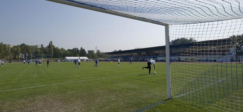 Eltűnik a süllyesztőben a nagy múltú tatabányai fociklub?