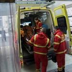 Buszbaleset: két sérültet már ma kiengednek a kórházból