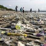Van még egy rossz hírünk a műanyagokról