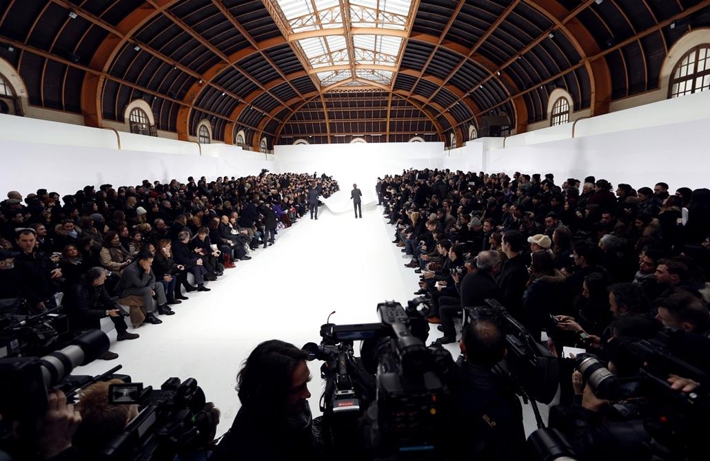 Párizs, Franciaország - Fashion Week