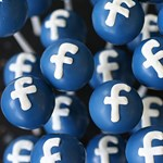 Újítás a Facebookon: jelzik majd, hogy melyik hírt nem szabad elhinni