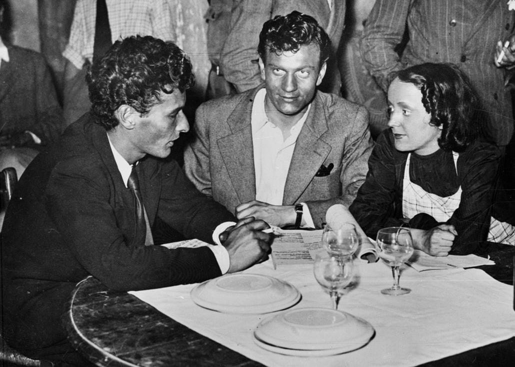 1940. körül - Jean-Louis Barrault, Henri Vidal és Edith Piaf a háború alatt - Edith Piaf