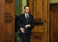 Hatpontos tervet jelentett be Varga Mihály az ügyintézés és a fizetés felgyorsításáért