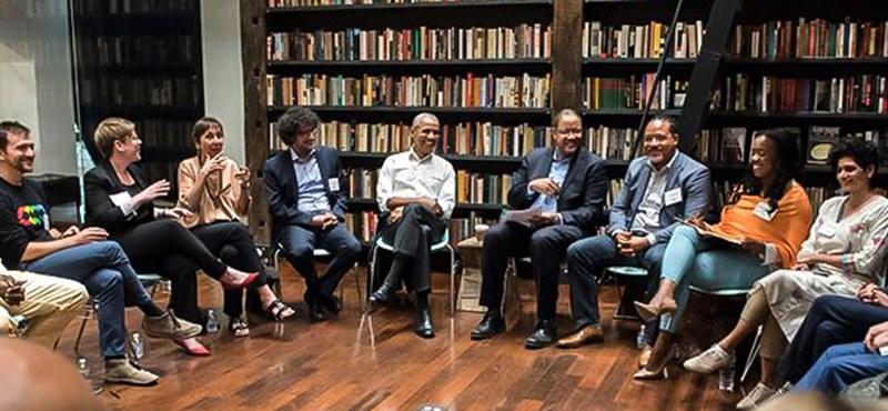 Ki az a magyar férfi Obama jobbján? Orbánékat megüti a guta