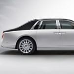 150 millió forintos Rolls-Royce szülinapra: a boxbajnok megadta a módját - videó