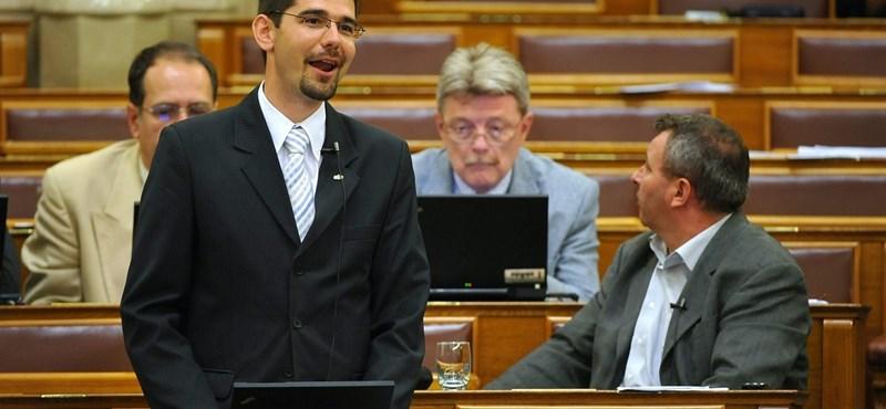 Parlamenti zsidózás: Novák Előd nem kér bocsánatot a szóvivő szerint sem