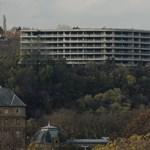 Fidesz-közeliek kelthetik életre a budapesti csontvázházakat