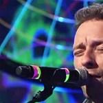 Így adta elő a Coldplay a Paradise-t a Saturday Night Live-ban (videó)