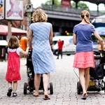 Hiába a gyed extra, a többség inkább otthon marad a gyerekkel