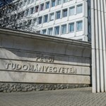 Ellentmondó információk miatt napolták el az átalakítás kérdését a PTE-n