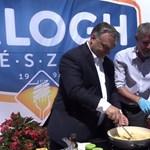 Videó: Orbán Viktor kétkezi munkára adta a fejét, meg is tapsolták érte