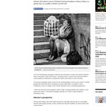 Finnország egykori elnöke hajléktalanként pózol
