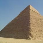 Visszaadják a piramisok bűvös varázsát