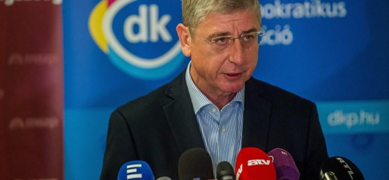 DK: Orbánék miatt újra kitilthatnak magyar köztisztviselőket az Egyesült Államokból