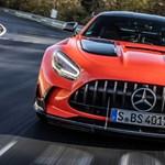 Dubajba került a 730 lóerős Mercedes-AMG GT Black Series első példánya