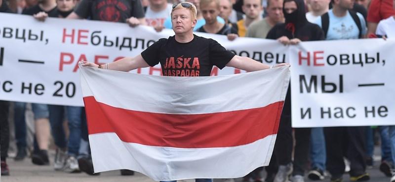 Negyedmillió ember gyűlt össze Lukasenka ellen Minszkben