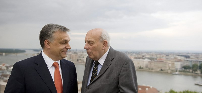 Az elhunyt John Lukacsot méltatta Orbán