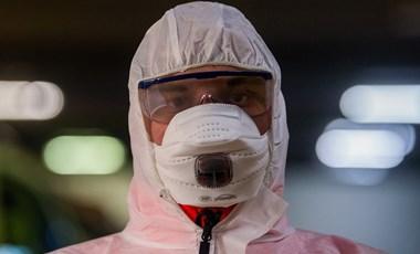 Mérgező vegyszerrel mosták meg 6 kislány fejét Romániában, hárman belehaltak